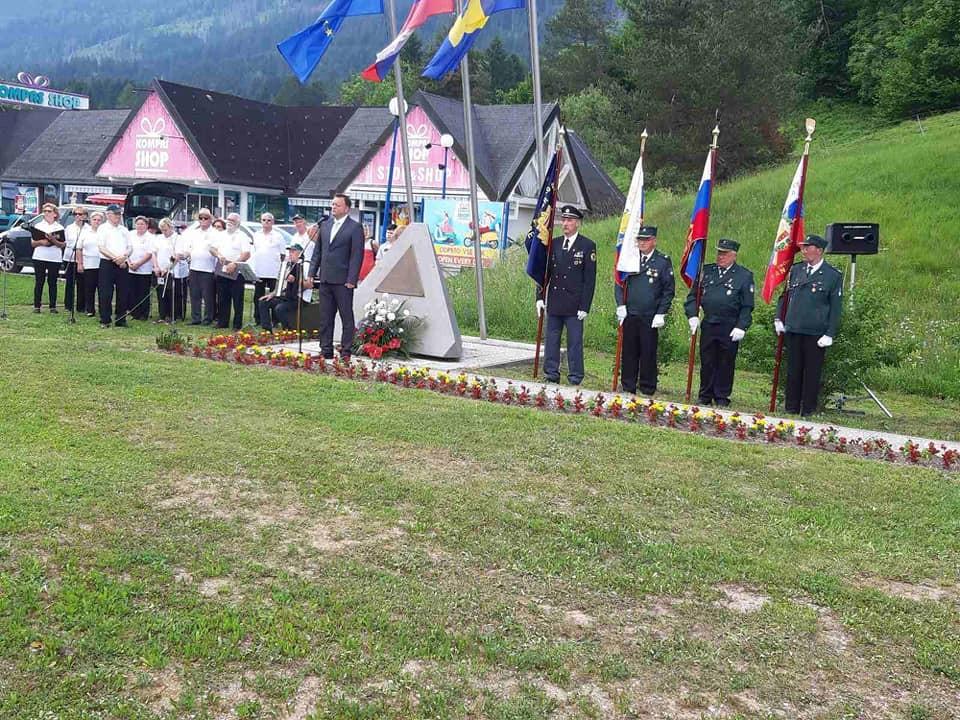 Spominska slovesnost na območju bivšega mejnega prehoda Rateče