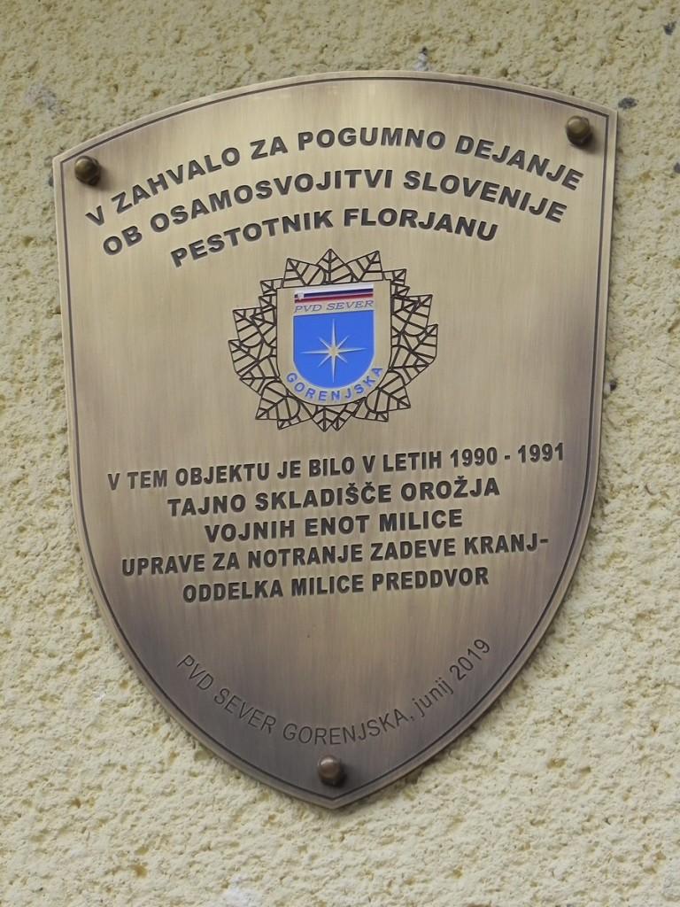 Spominska slovesnost ob odkritju spominskega obeležja »Tajna skladišča orožja milice - 1990/91« - v Kokri