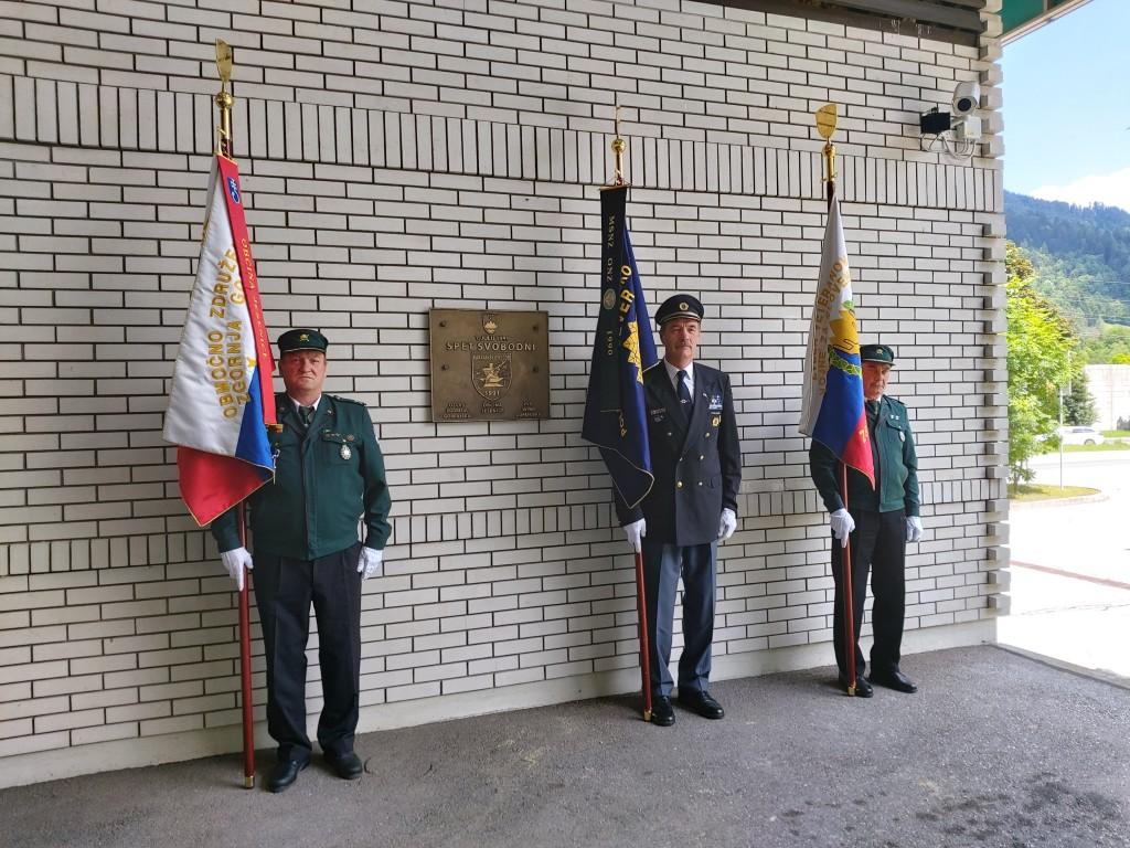Spominska slovesnost pri spominskem obeležju na nekdanjem mejnem prehodu Karavanke